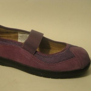 COMFORT CASE Sz 9 Purple Leather Mary Jane Flats